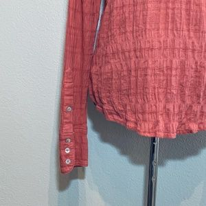 Free People Tops - Free People pink button down crinkle shirt size M